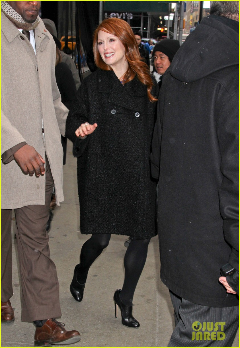 julianne moore applauds future co star ellen pages coming out speech 073060996