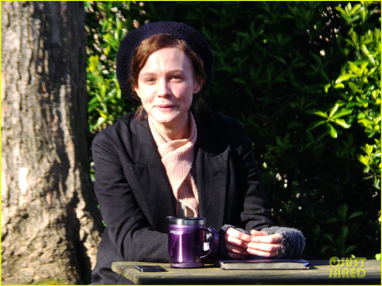 carey mulligan begins filming suffragette in london 09