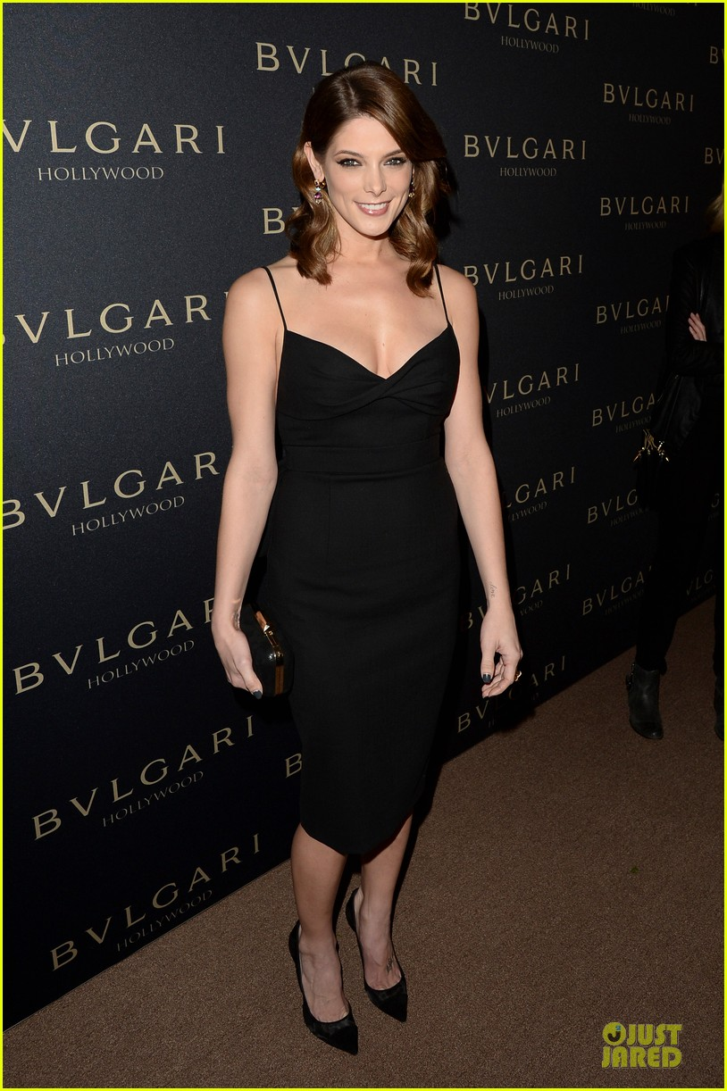 olivia munn ashley greene stunning at decades of glamour event 013060731