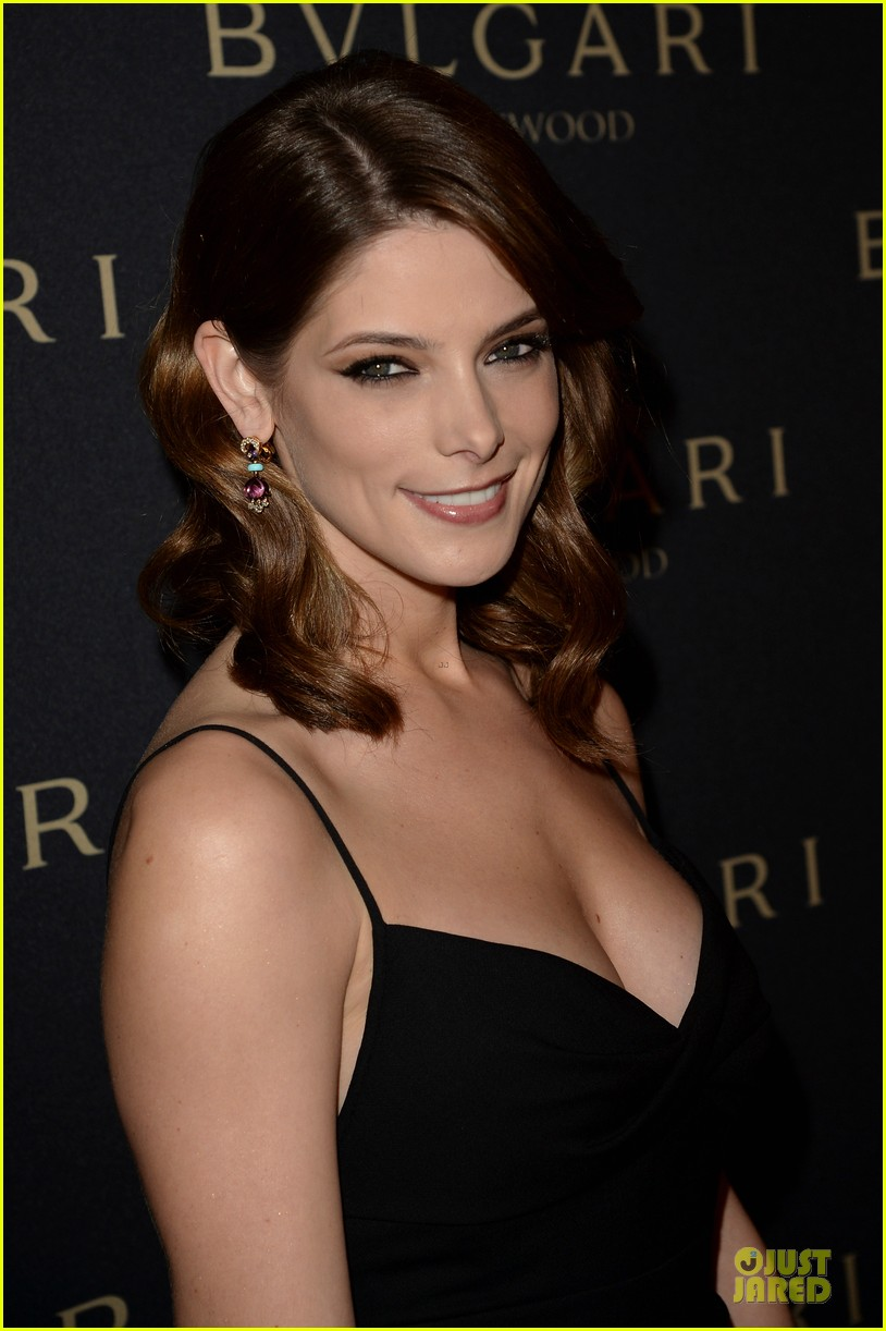olivia munn ashley greene stunning at decades of glamour event 093060739