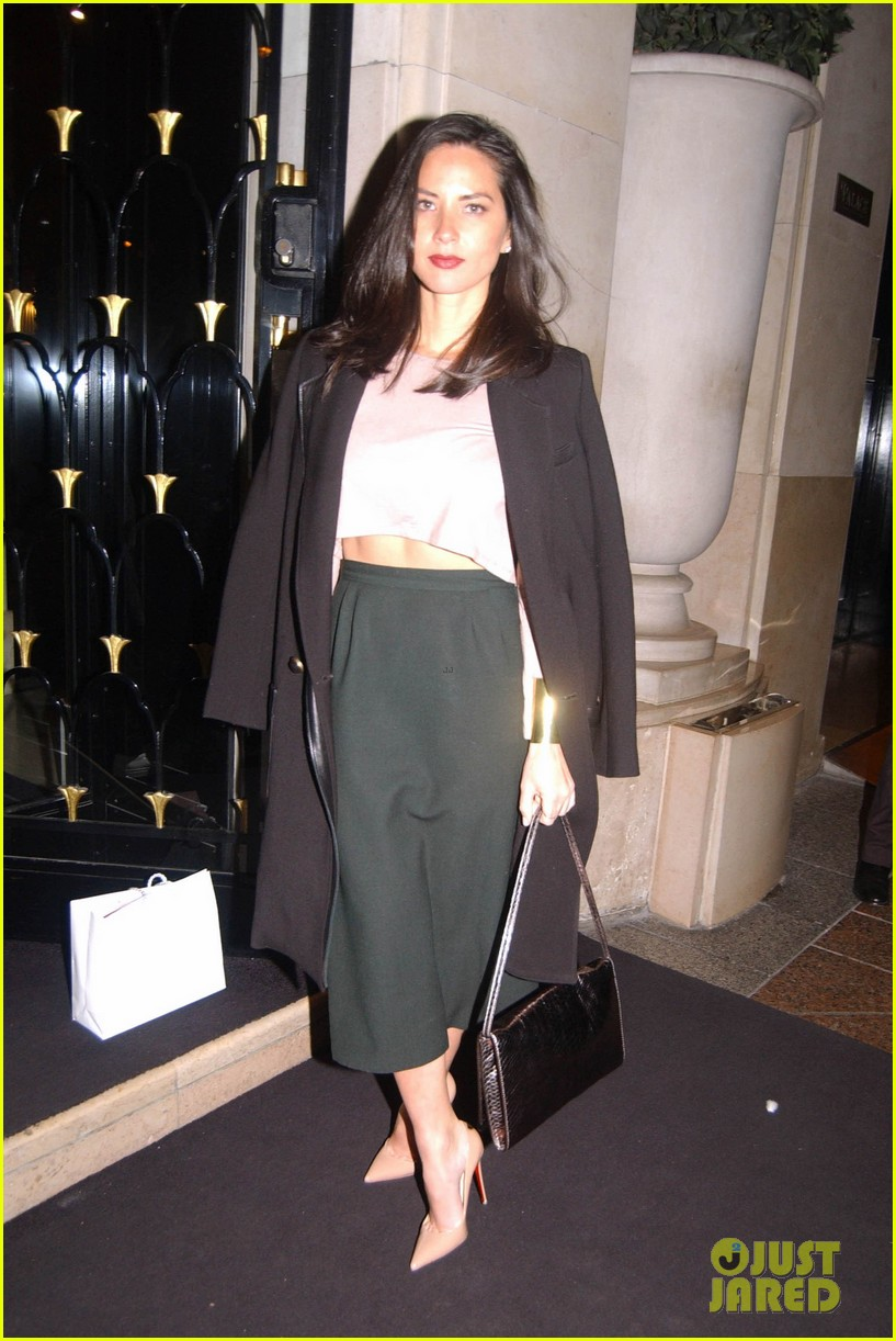 olivia munn joel kinnaman paris lovers 033047317