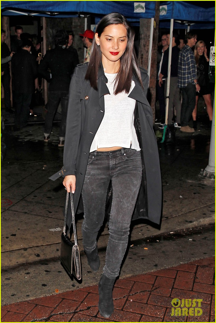 olivia munn hits a party while joel kinnaman films the killing 01