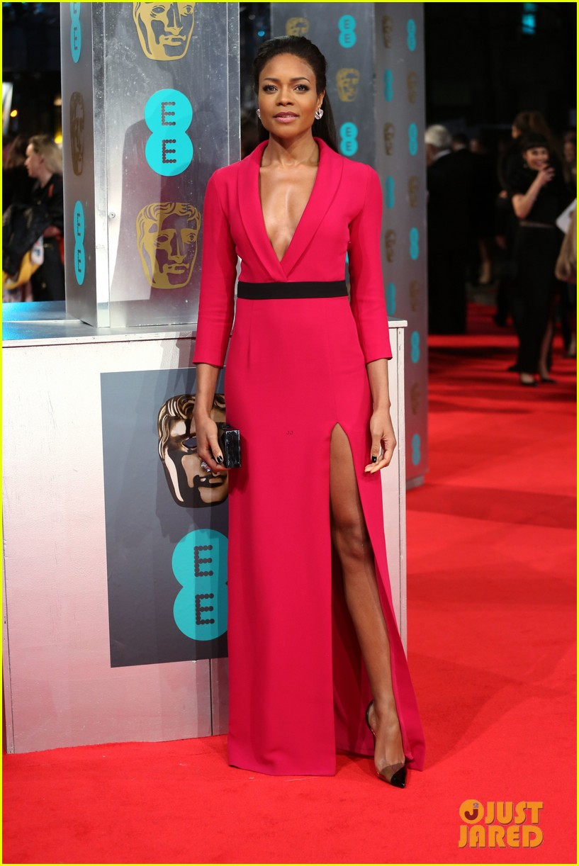 naomie harris baftas 2014 red carpet 02