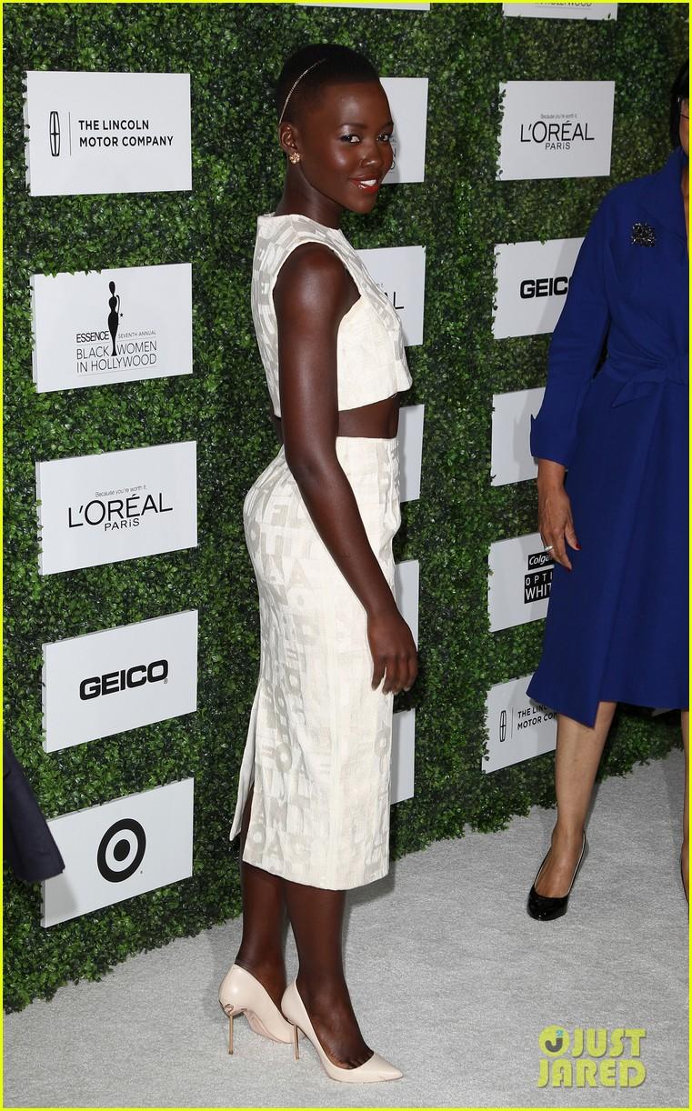 lupita nyongo makes a headband the perfect accessory 033061763