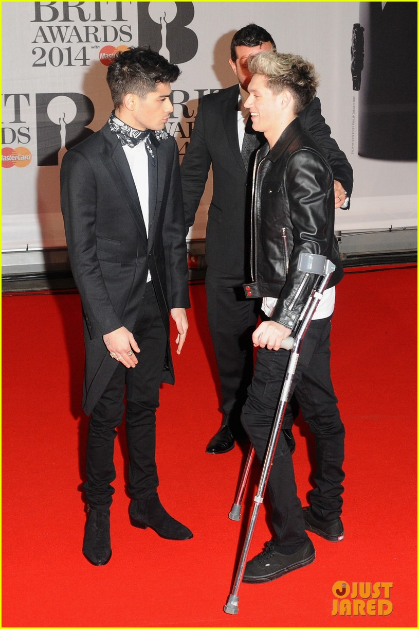 one direction brit awards red carpet 2014 04a3056348