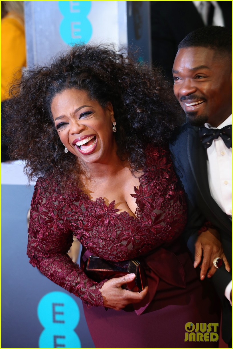 oprah winfrey baftas 2014 red carpet 023054559