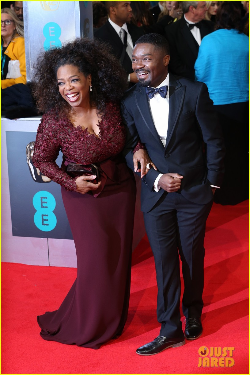 oprah winfrey baftas 2014 red carpet 033054560