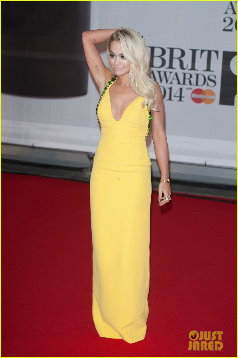 rita ora calvin harris brit awards 2014 rec carpet 043056290