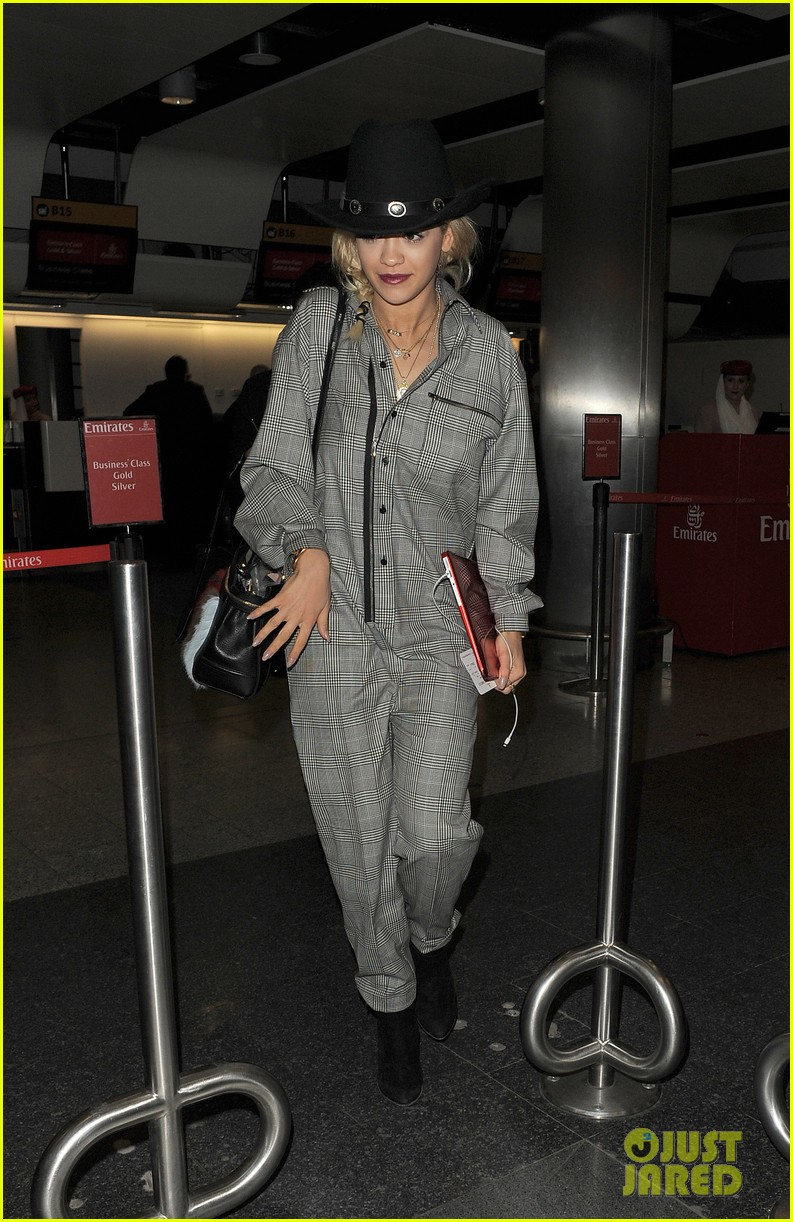rita ora heads to dubai after quick trip to london 103052835