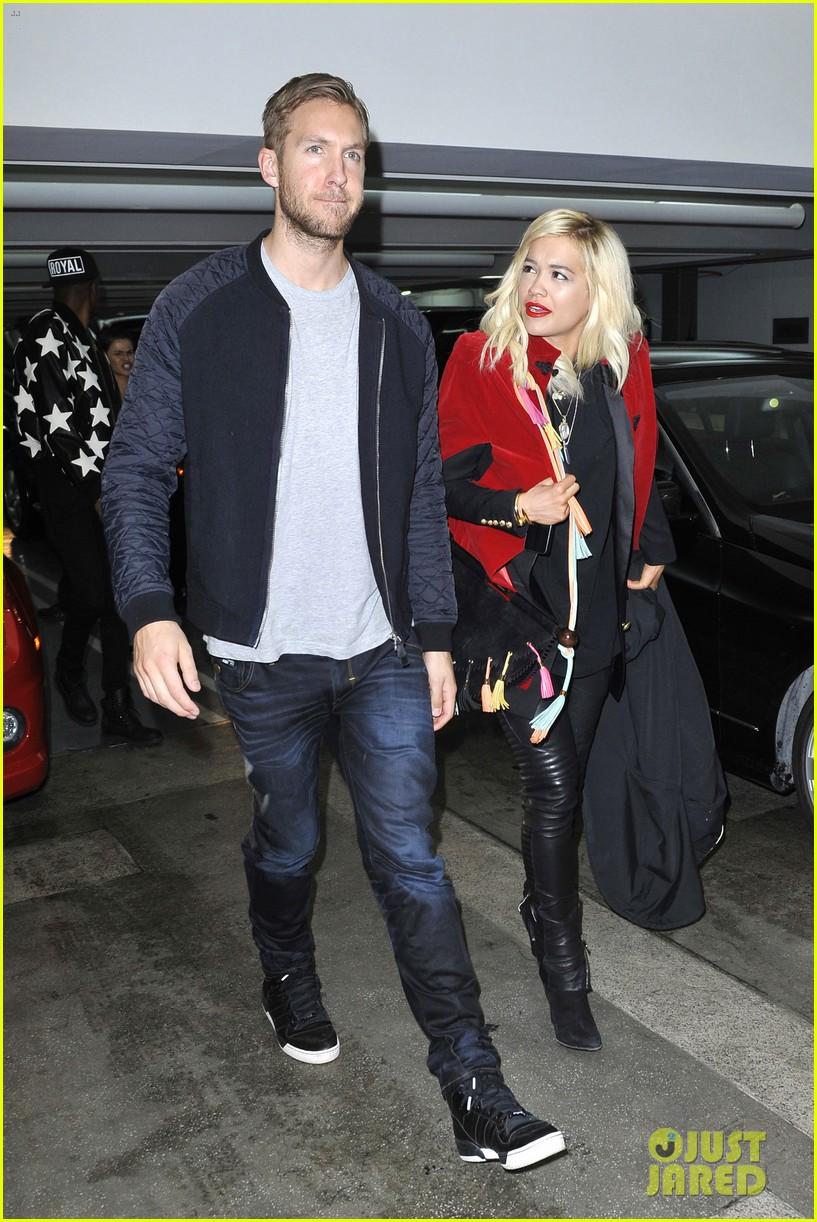 rita ora cant keep her hands off boyfriend calvin harris 293048932
