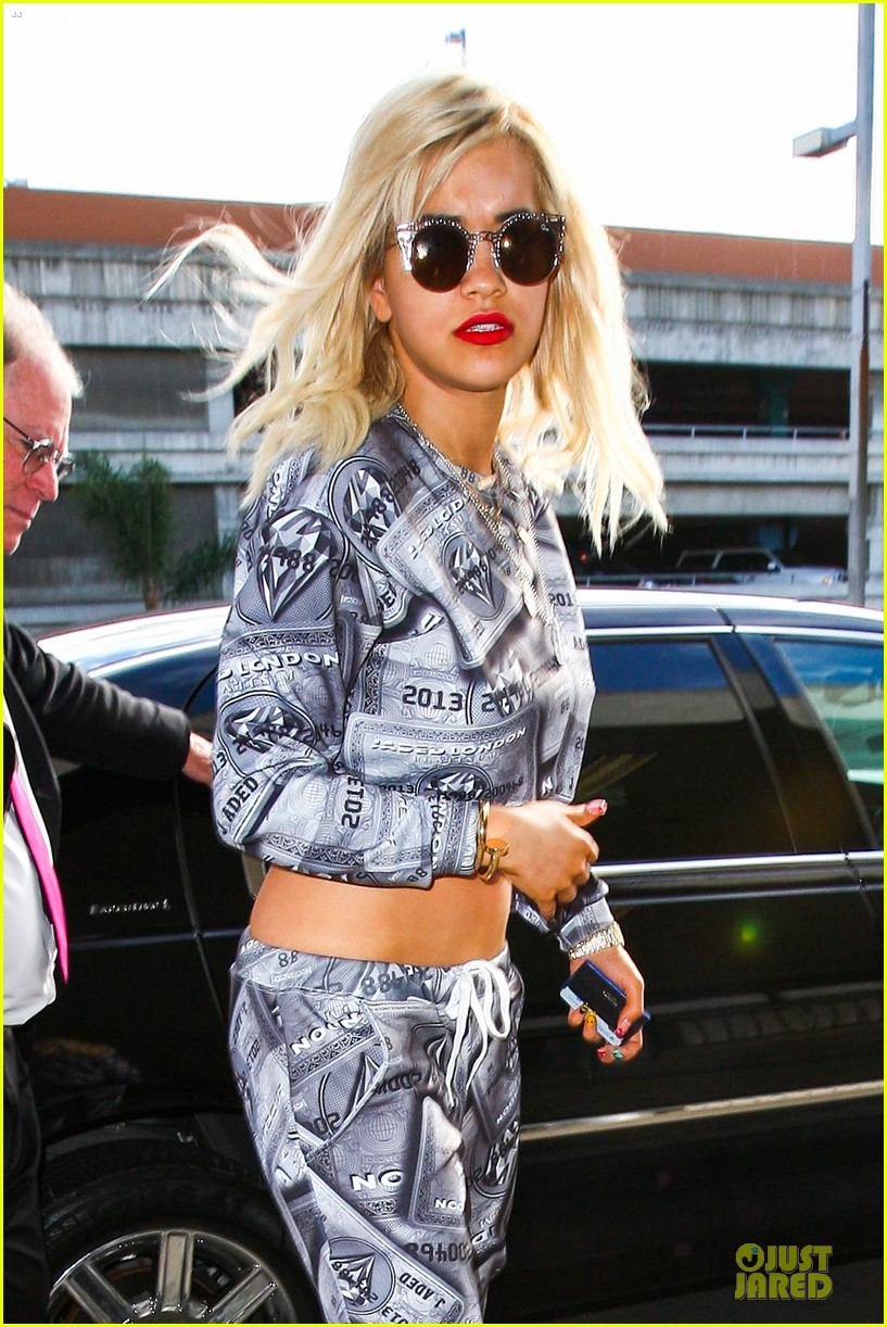 rita ora kisses calvin harris in credit card ensemble 12