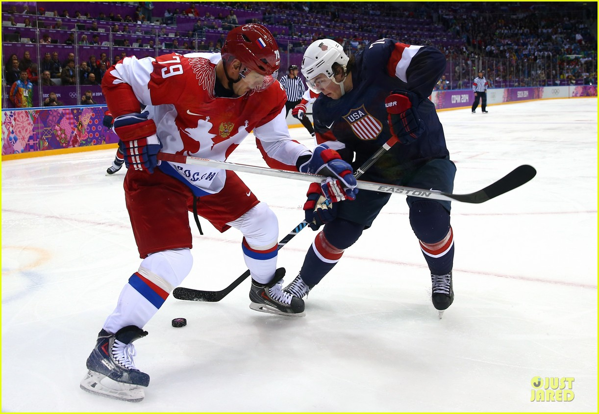 tj oshie scores winning goal for us against russia at sochi olympics 033053872