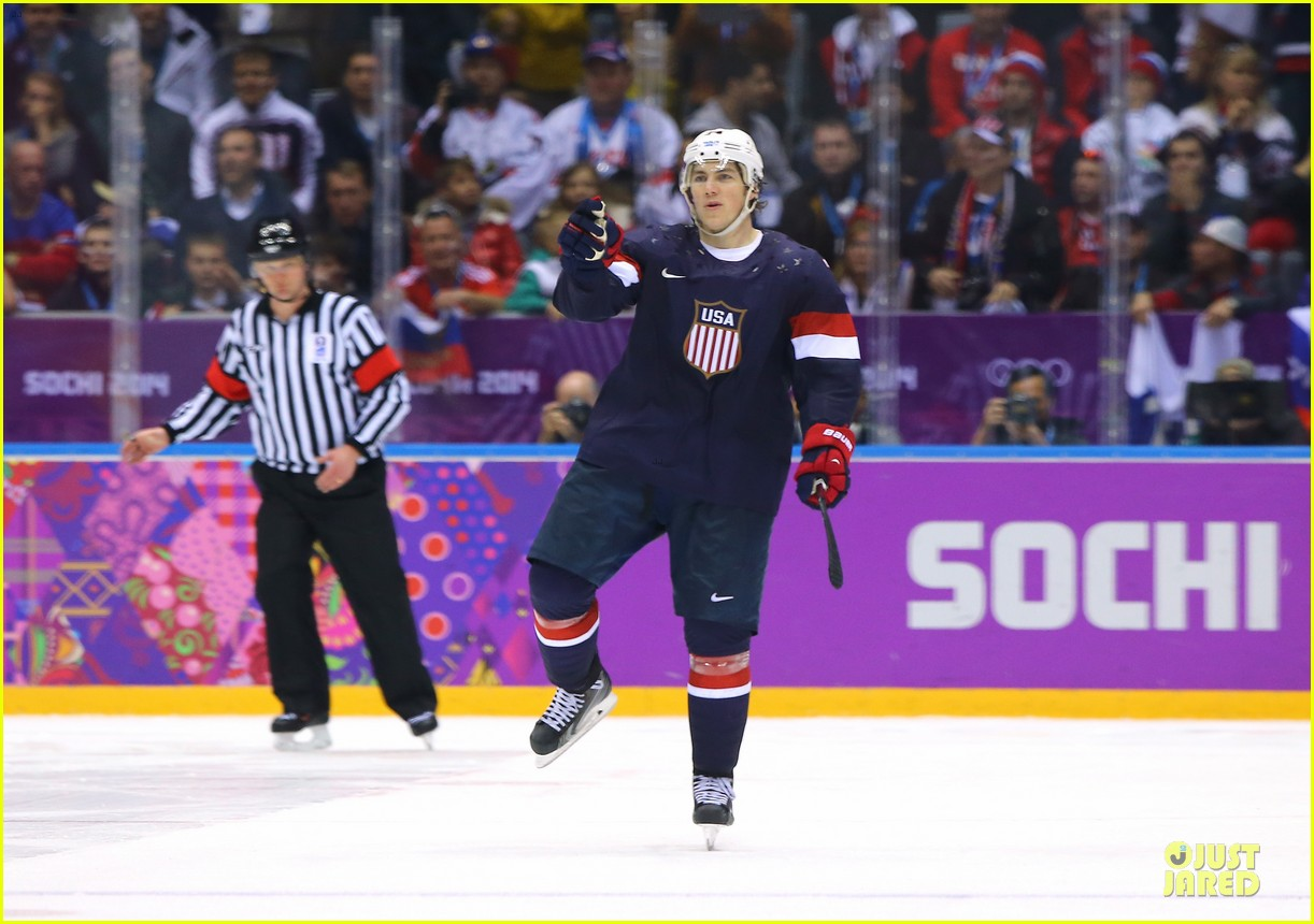 tj oshie scores winning goal for us against russia at sochi olympics 053053874