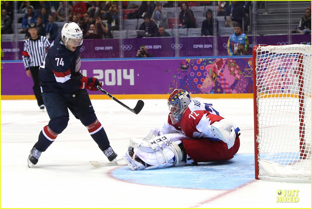 tj oshie scores winning goal for us against russia at sochi olympics 063053875