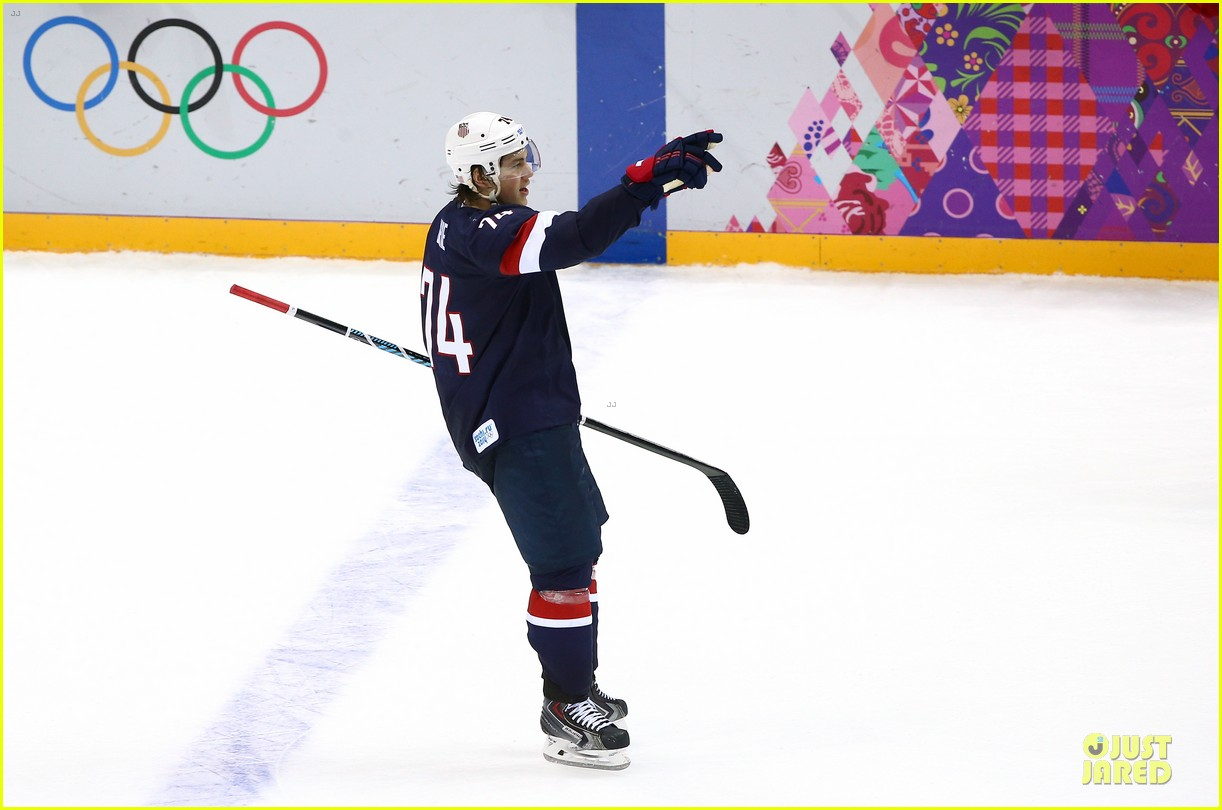 tj oshie scores winning goal for us against russia at sochi olympics 08