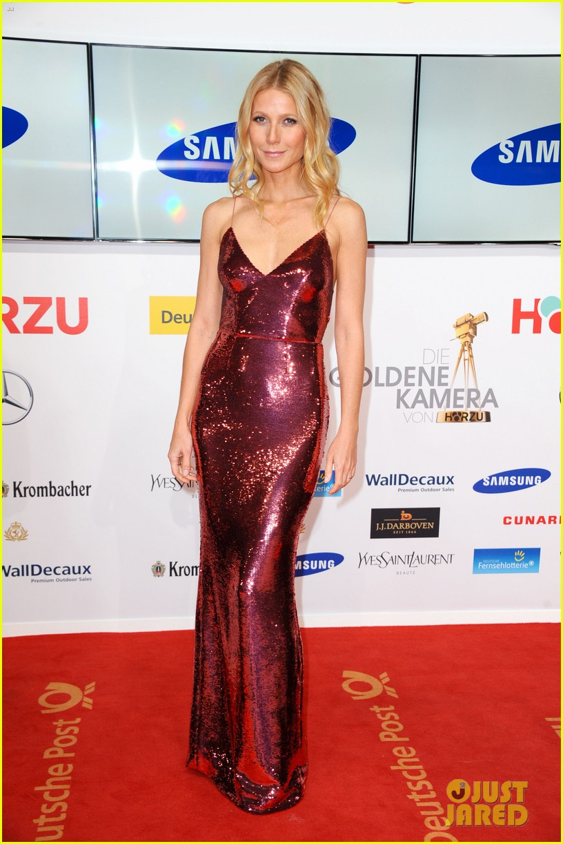 gwyneth paltrow is pink prada perfection at goldene kamera awards in berlin 033045812