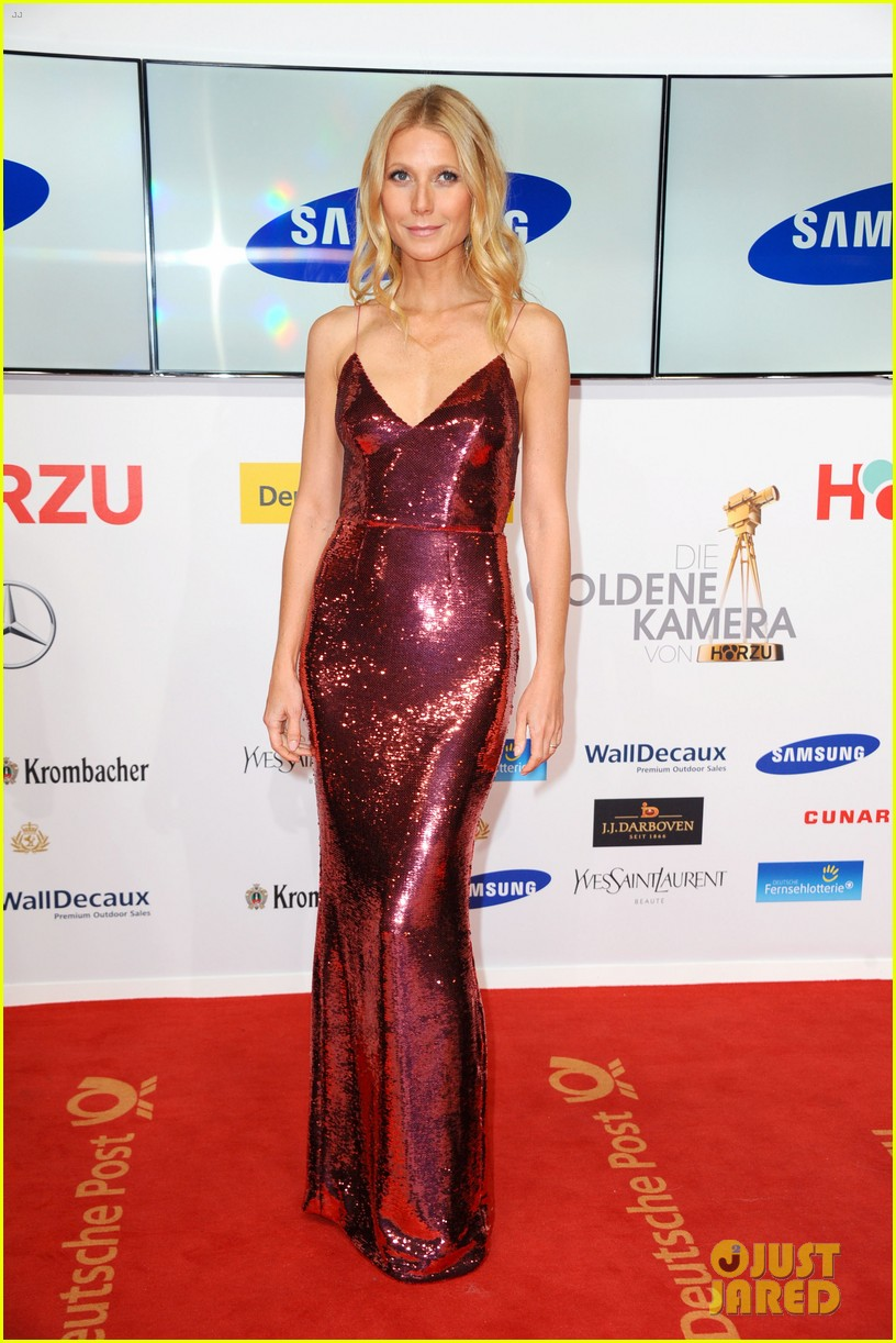 gwyneth paltrow is pink prada perfection at goldene kamera awards in berlin 053045814