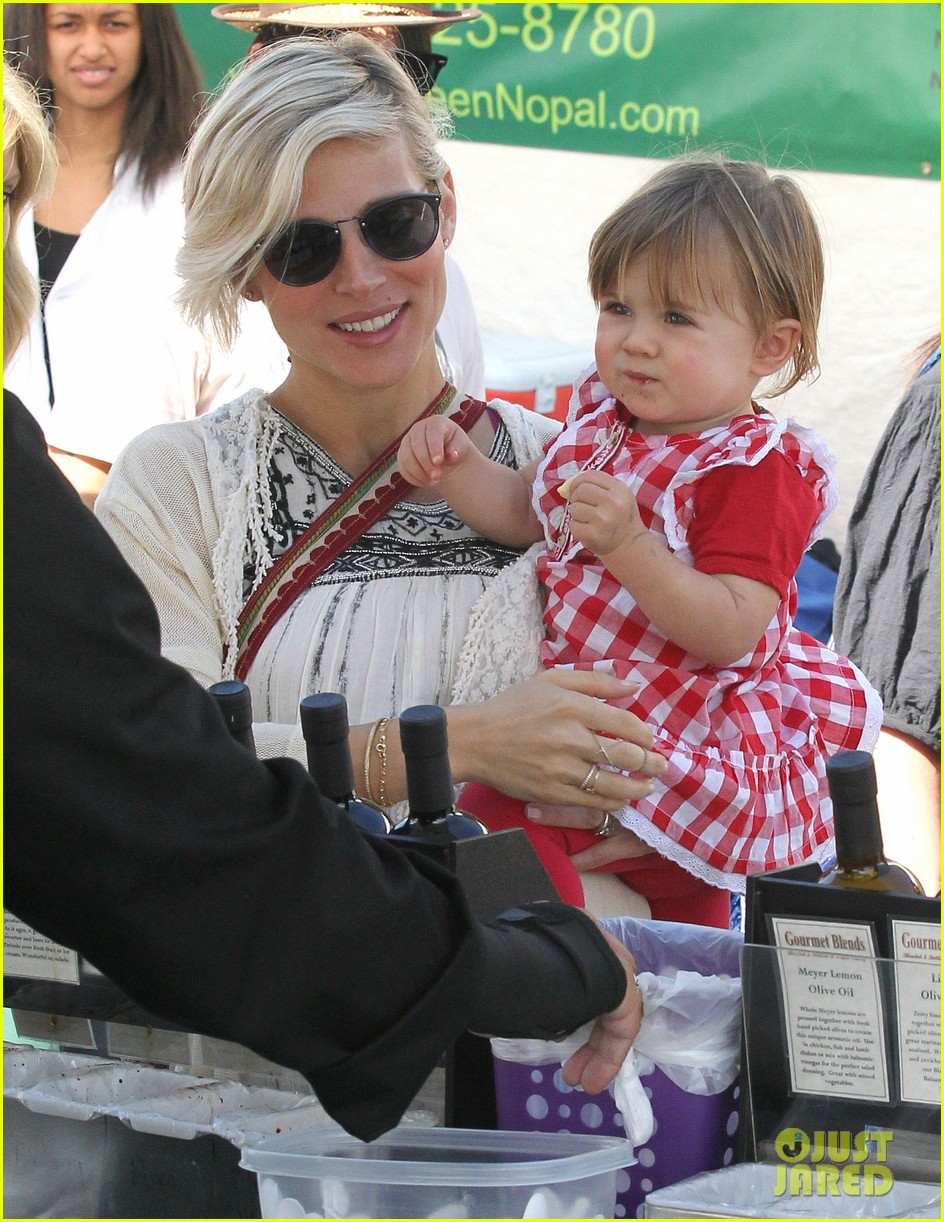 elsa patakys baby bump looks ready to pop during outing with india 103055040