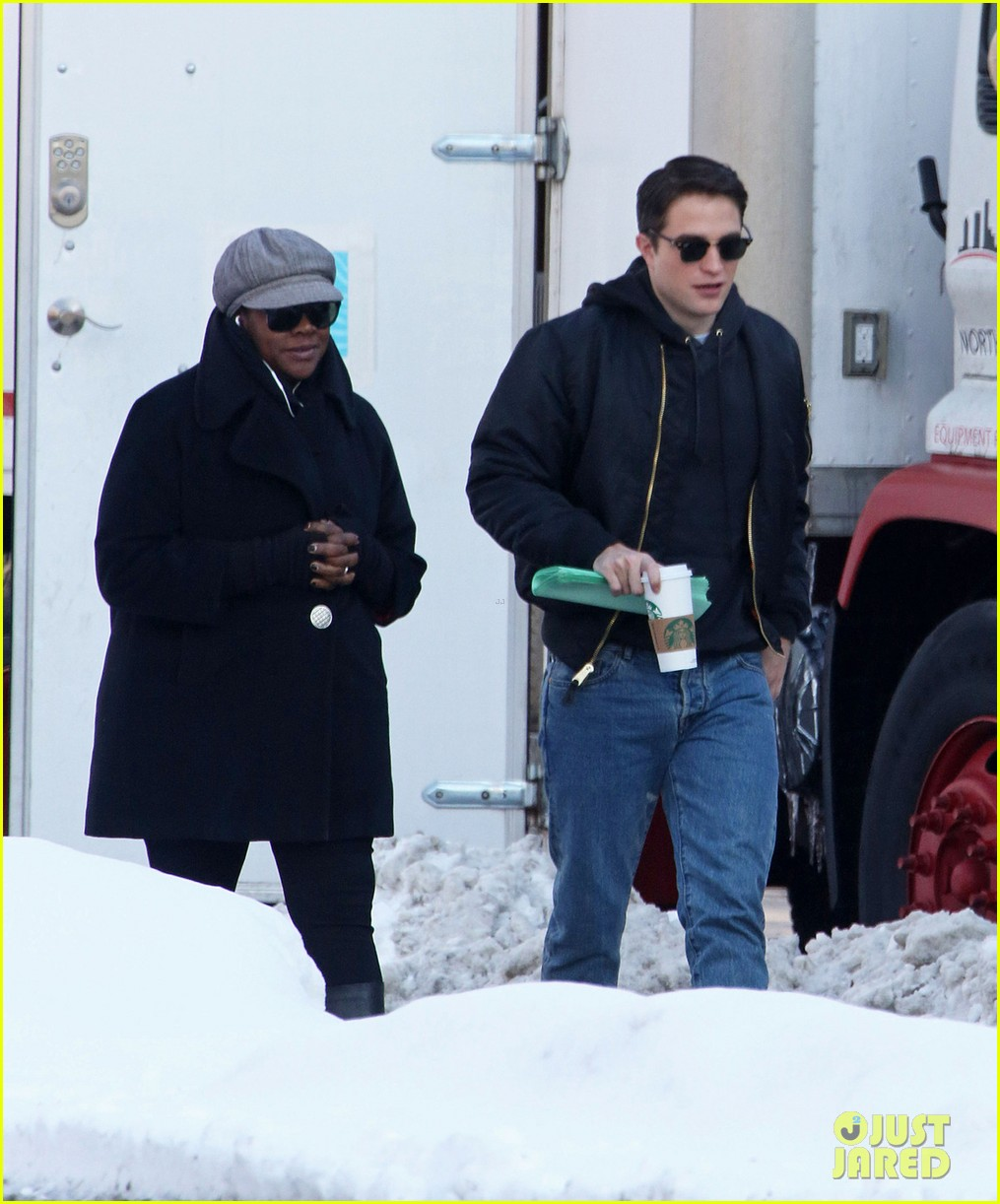 robert pattinson shaves his face rocks clean shaven look for life 053056252