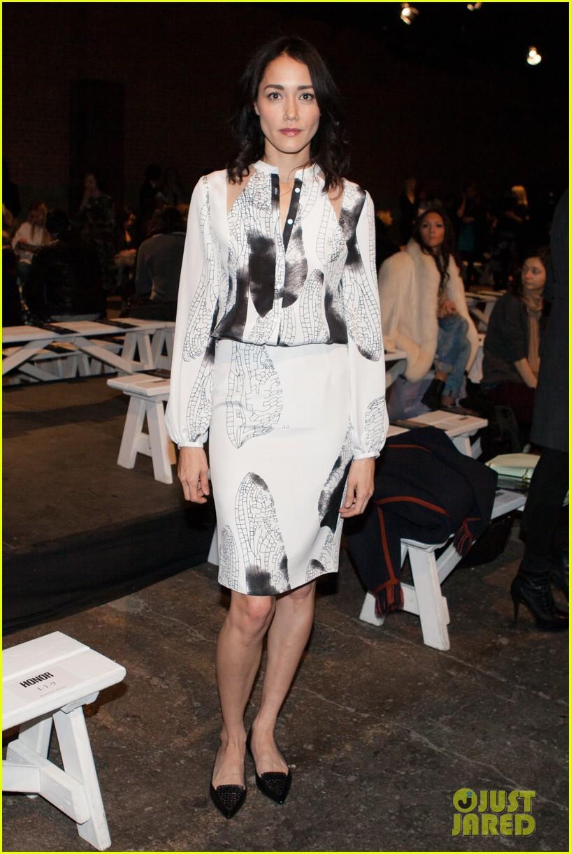 sarah paulson solange knowles honor fashion show 043051364