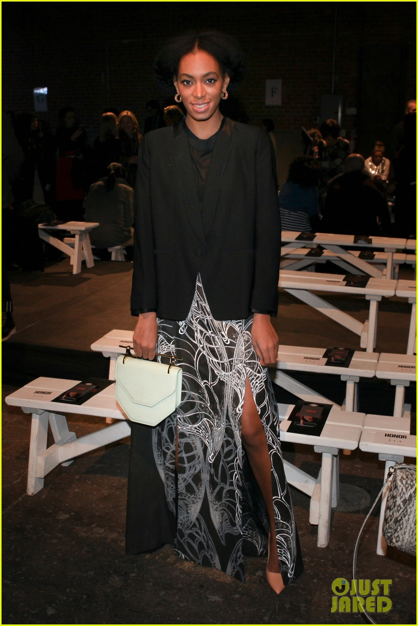 sarah paulson solange knowles honor fashion show 05