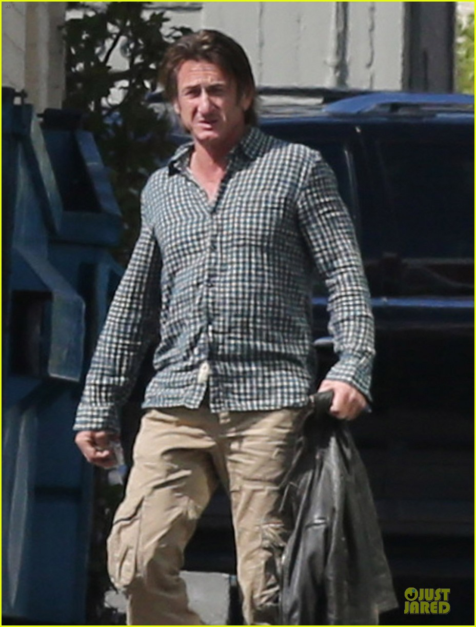 sean penn charlize theron were inseparable in cabo 023060648