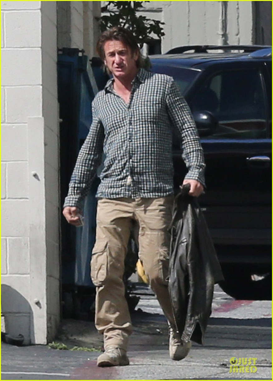 sean penn charlize theron were inseparable in cabo 033060649