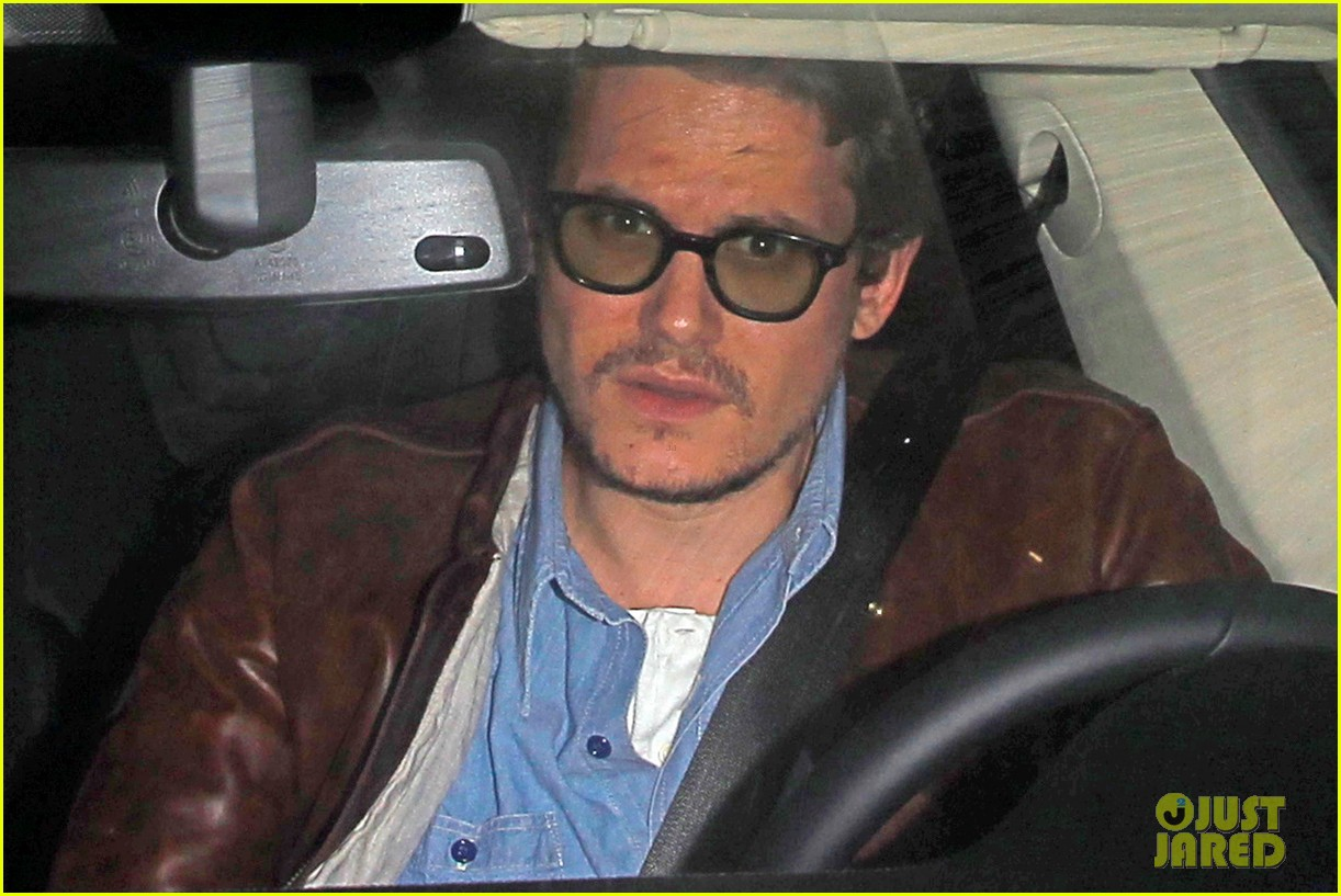 katy perry john mayer engagement rumors swirl after ring spotted on that finger 033055096