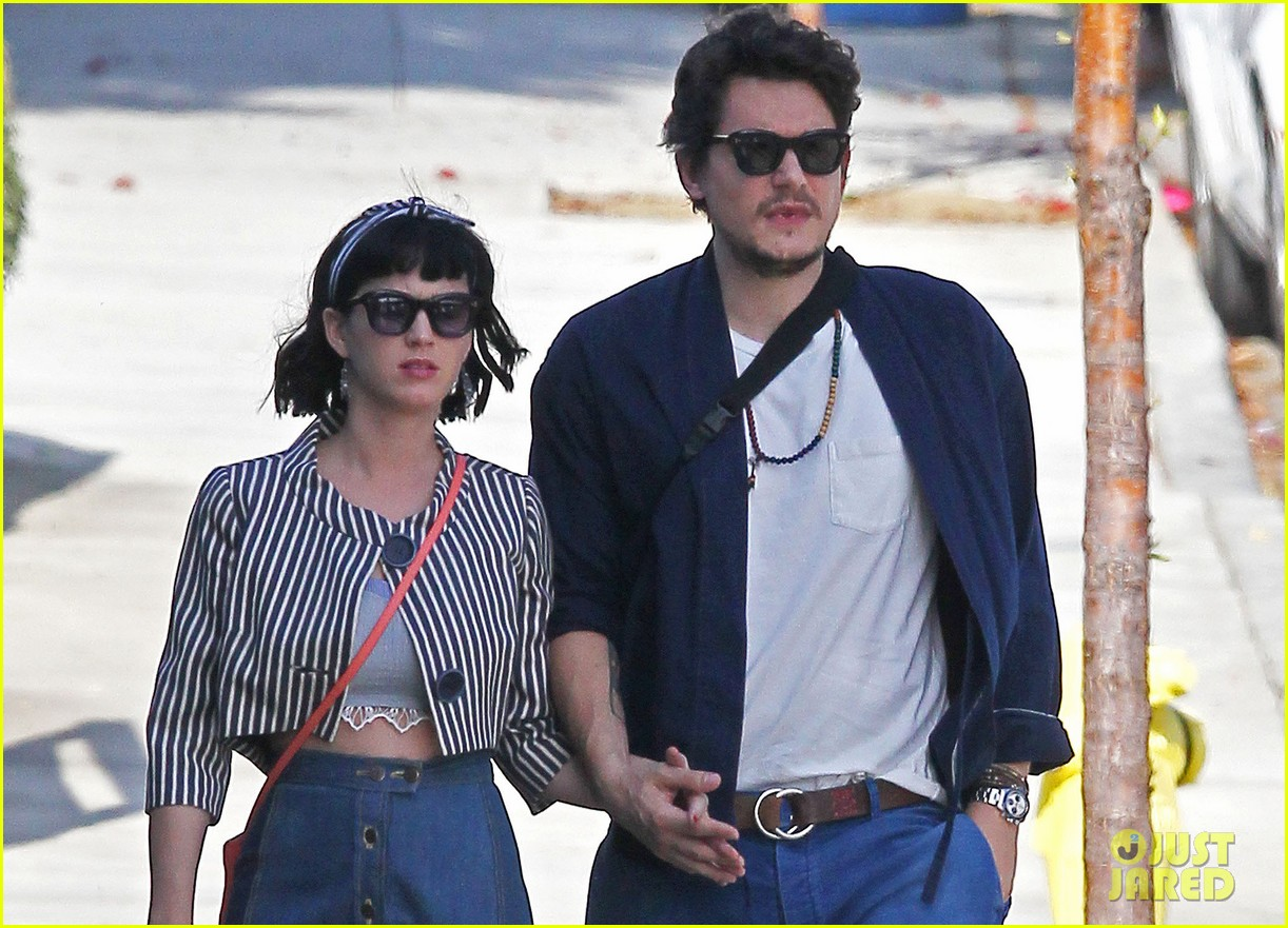 katy perry john mayer engagement rumors swirl after ring spotted on that finger 043055097