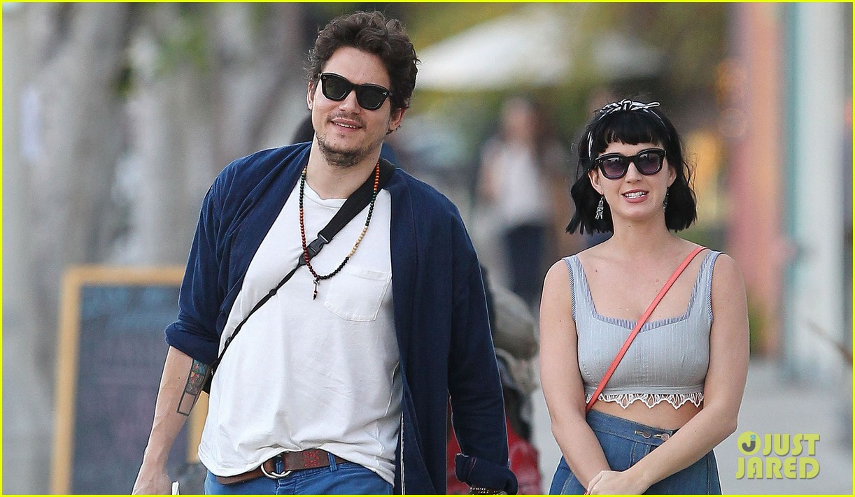 katy perry john mayer engagement rumors swirl after ring spotted on that finger 063055099