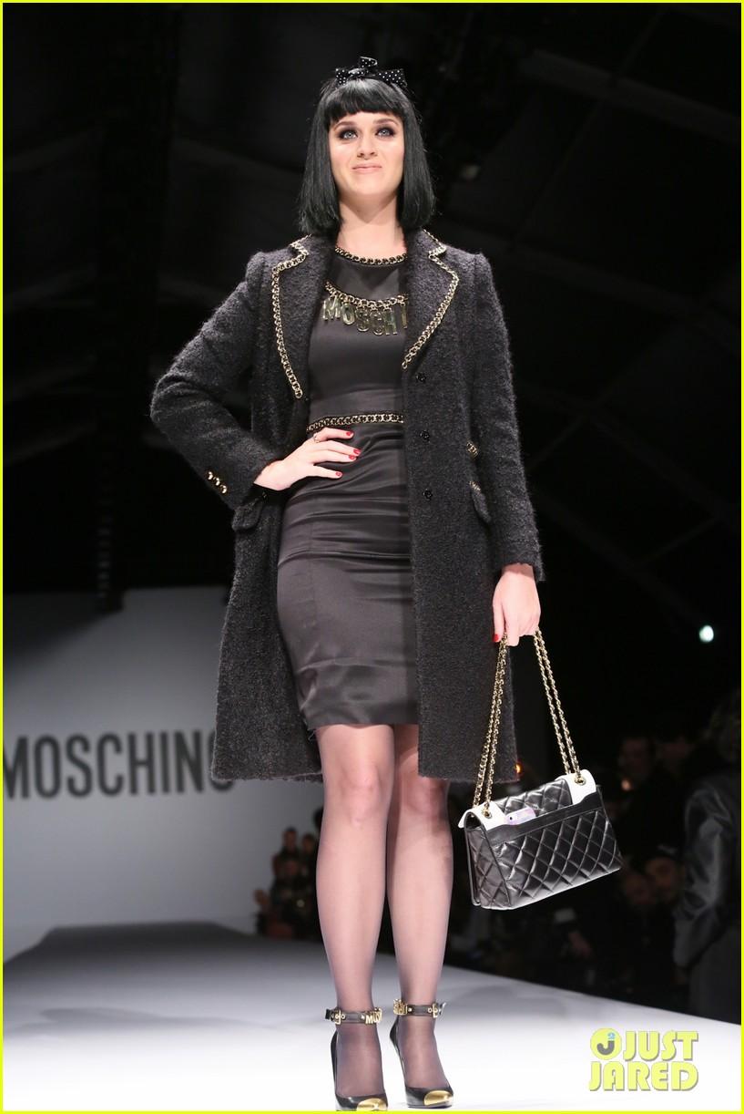katy perry rita ora walk runway in moschino fashion show 013057382