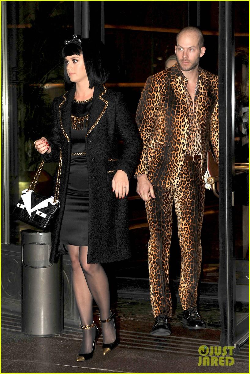 katy perry rita ora walk runway in moschino fashion show 033057384