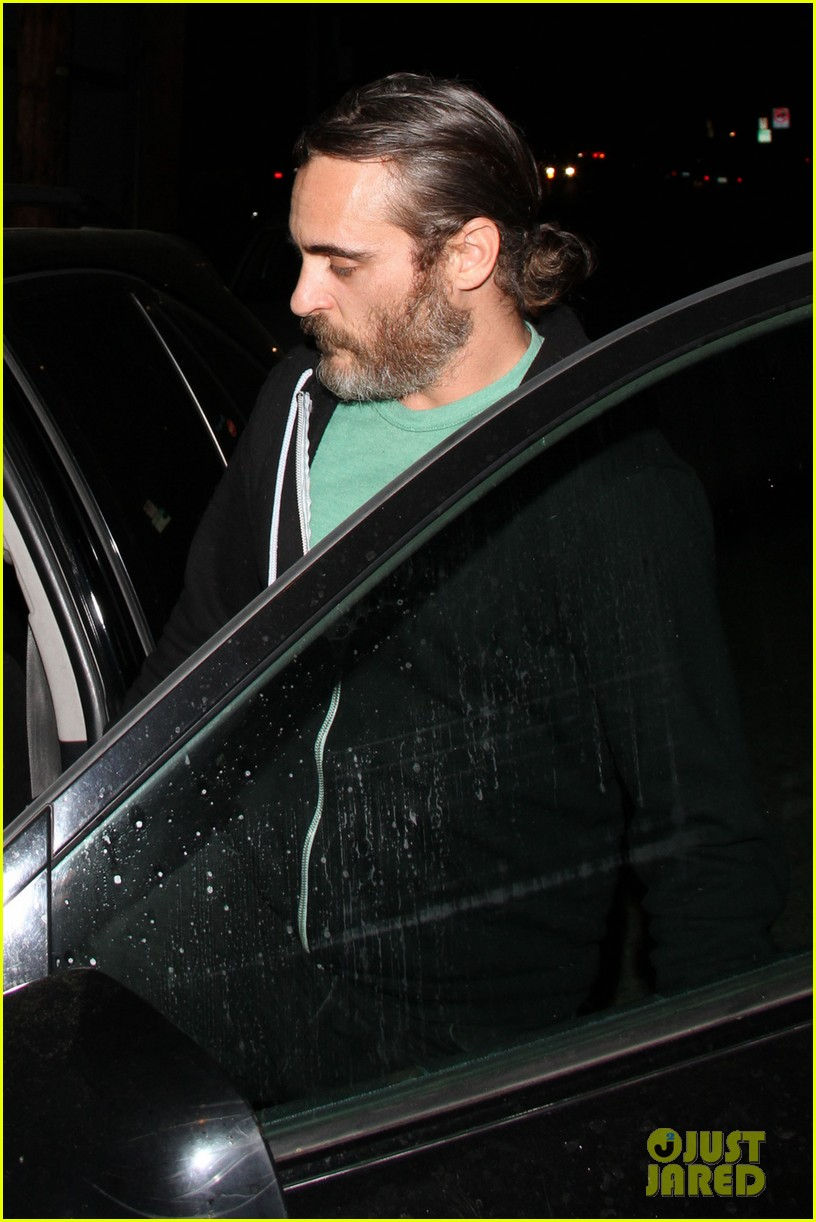 joaquin phoenix girlfriend allie teilz date night at crossroads 023059398