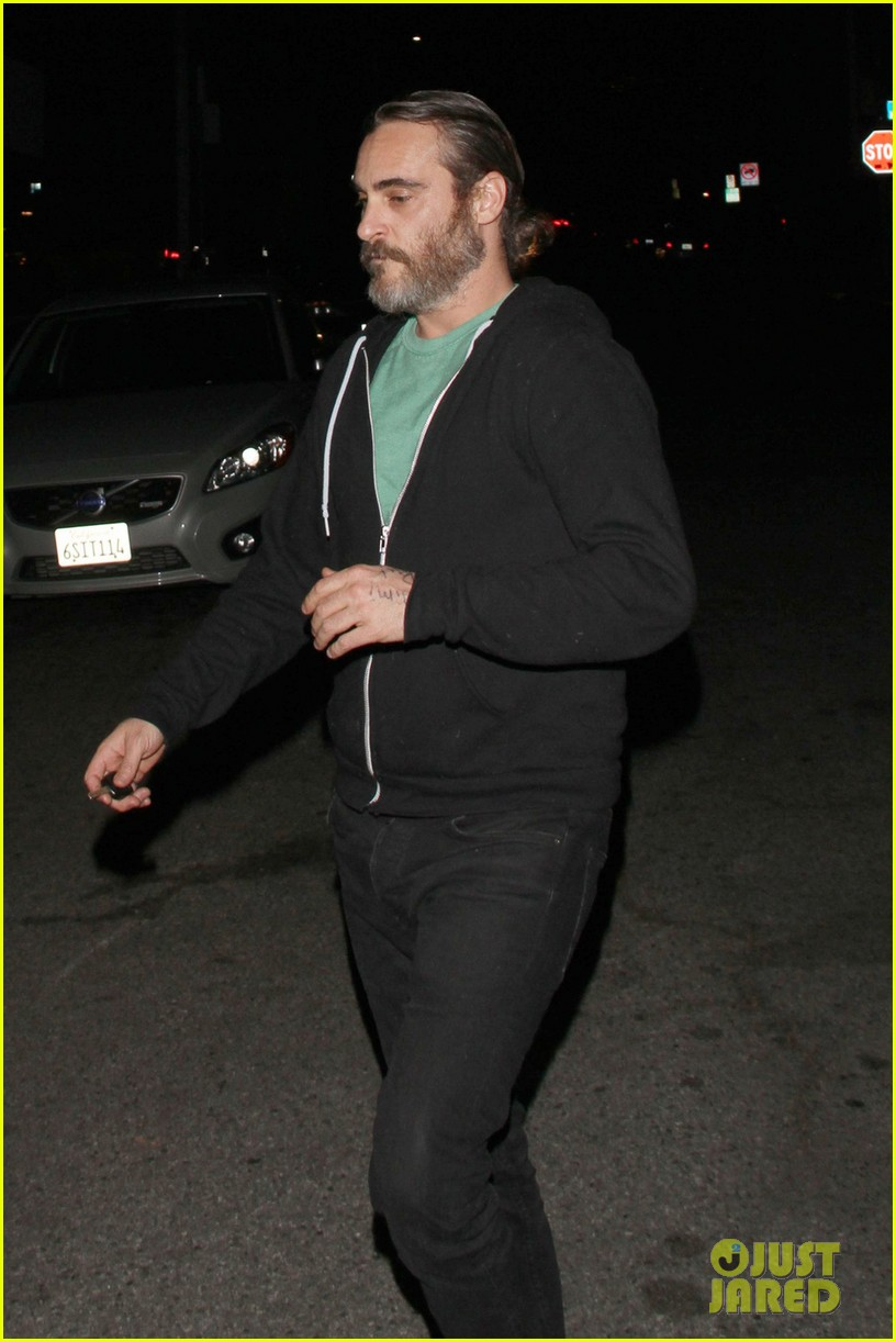 joaquin phoenix girlfriend allie teilz date night at crossroads 053059401