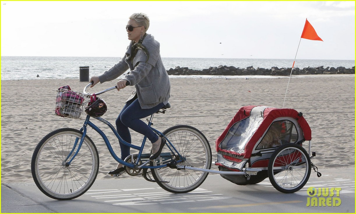 pink goes for bike ride after finishing truth about love tour 053046844