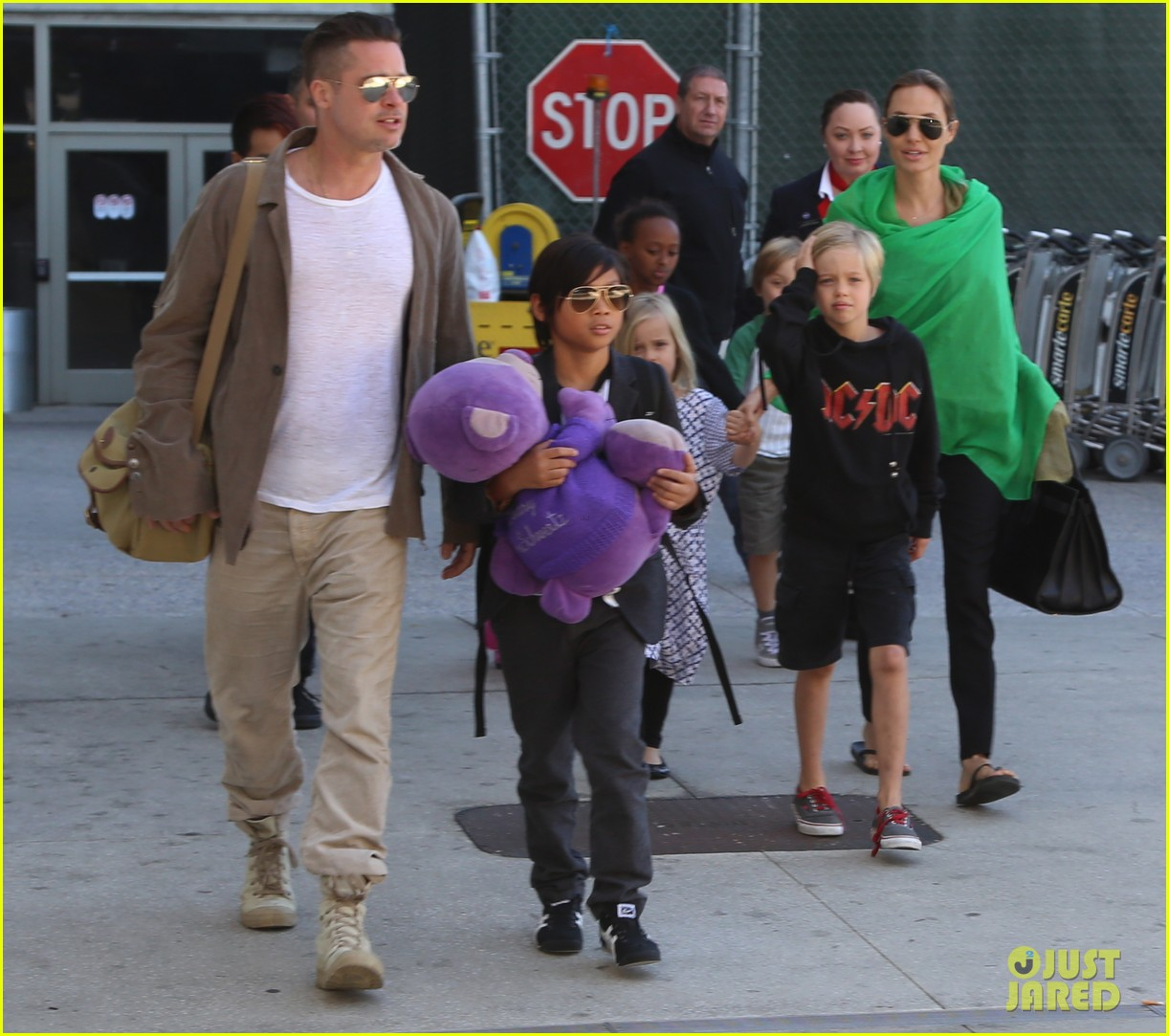 angelina jolie brad pitt all six kids land in los angeles see the new pics 093047986