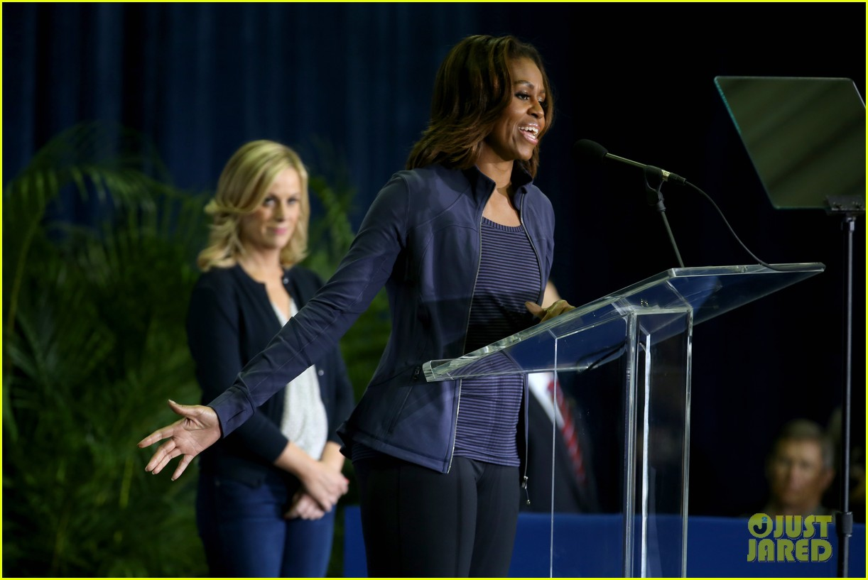 amy poehler michelle obama promote lets move initiative 043060933