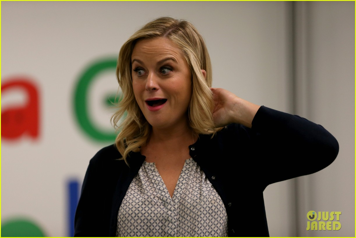 amy poehler michelle obama promote lets move initiative 063060935