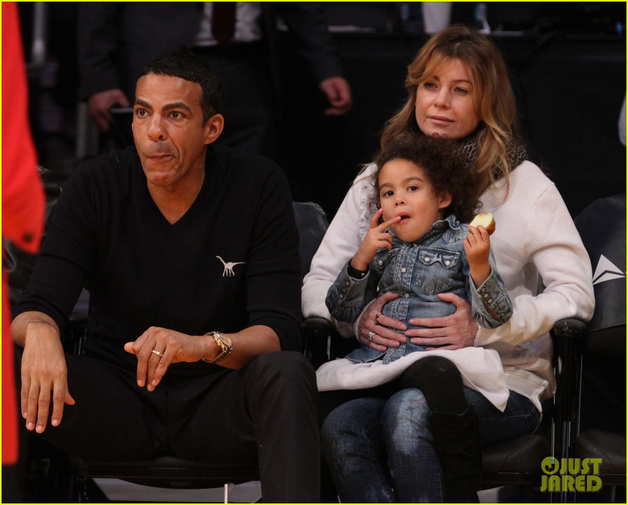 ellen pompeo will ferrell lakers courtside seats with the kids 023059751