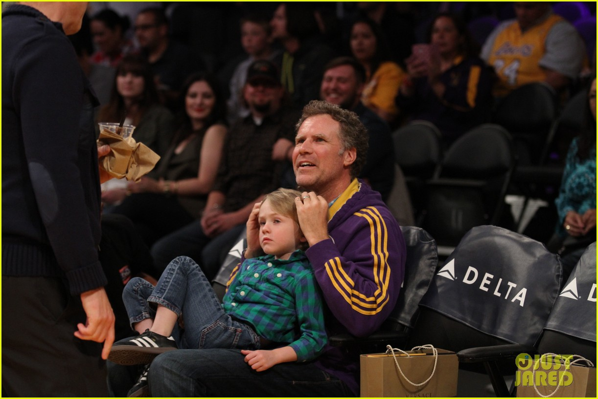 ellen pompeo will ferrell lakers courtside seats with the kids 063059755