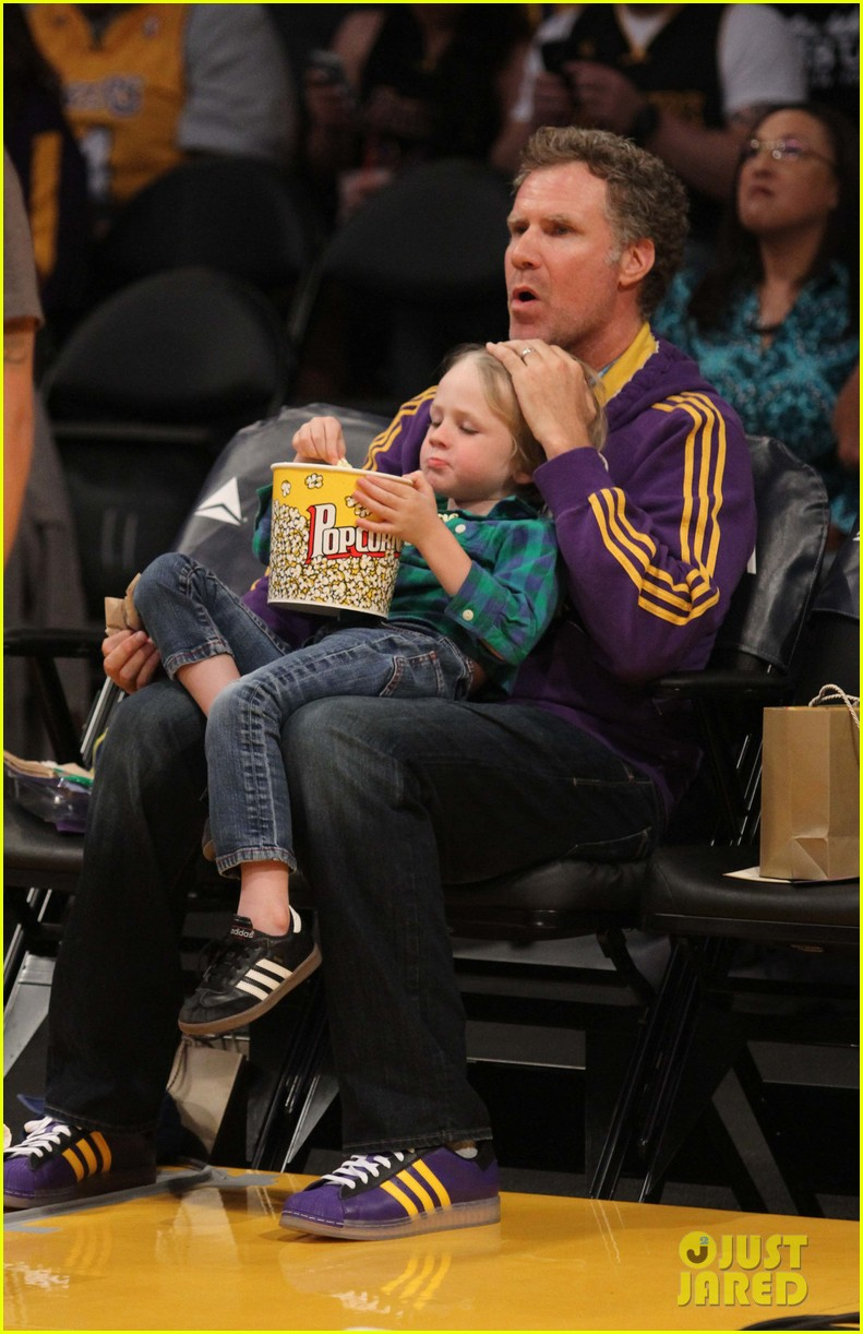 ellen pompeo will ferrell lakers courtside seats with the kids 073059756