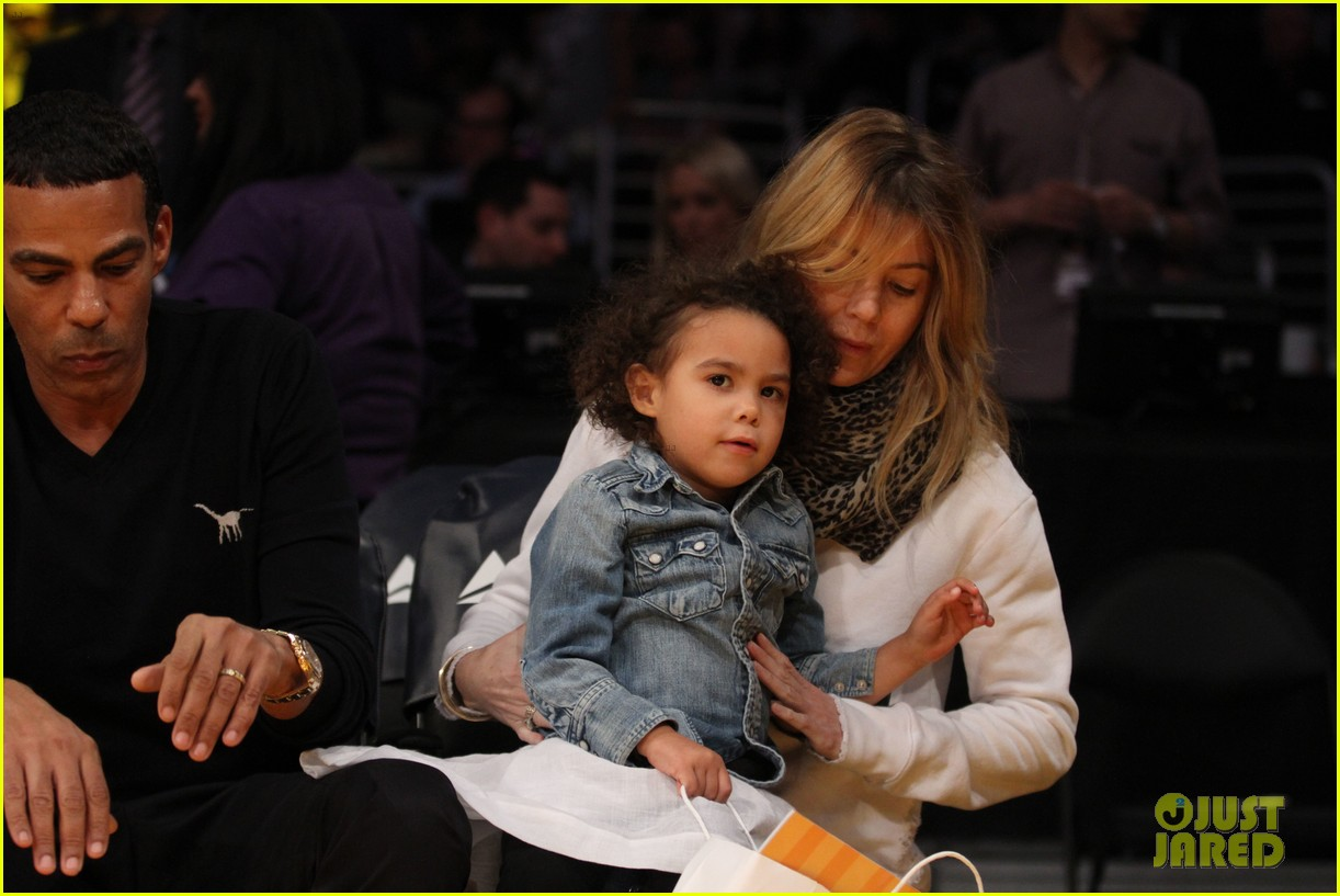 ellen pompeo will ferrell lakers courtside seats with the kids 093059758
