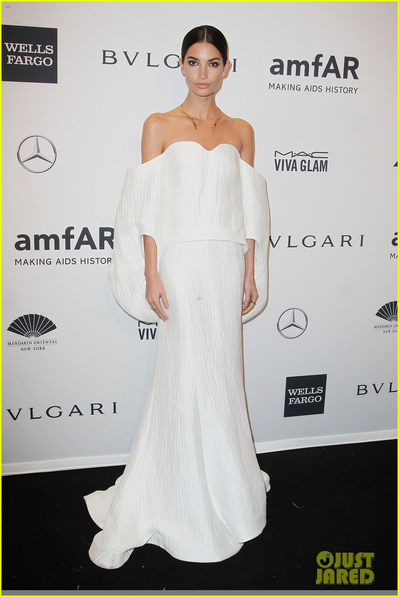 behati prinsloo lily aldridge supermodels take over amfar gala 023048228