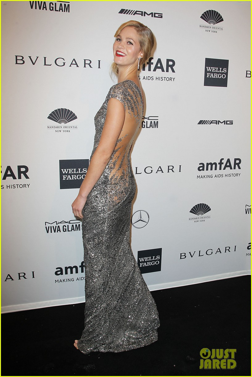 behati prinsloo lily aldridge supermodels take over amfar gala 083048234