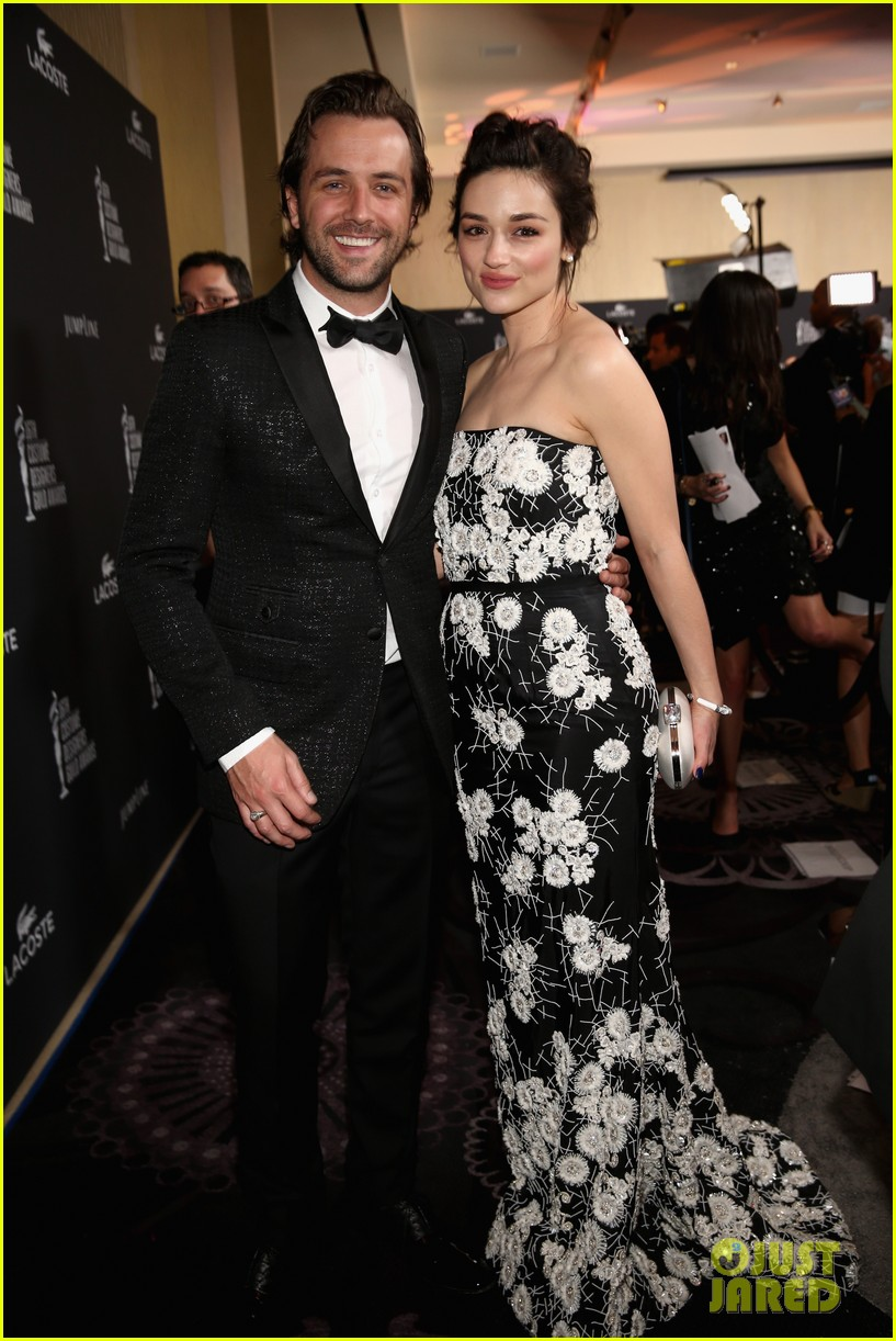 crystal reed boyfriend darren mcmullen red carpet debut 01