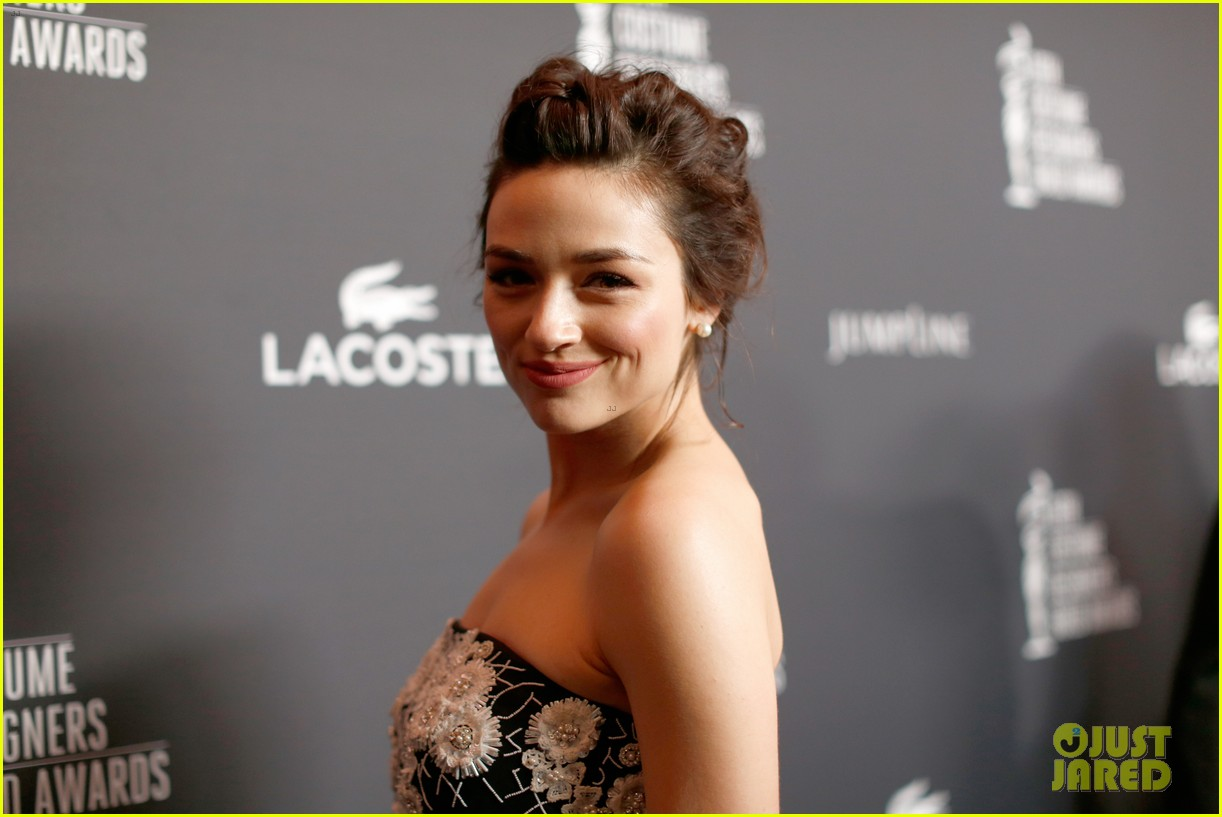 crystal reed boyfriend darren mcmullen red carpet debut 023058839