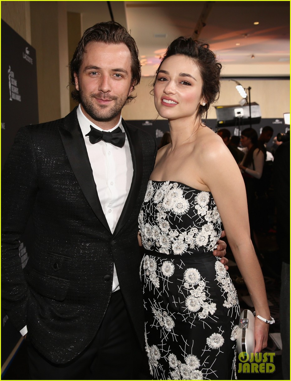 crystal reed boyfriend darren mcmullen red carpet debut 103058847