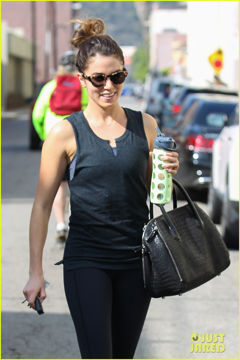 nikki reed keeps in shape with daily workout 023060895