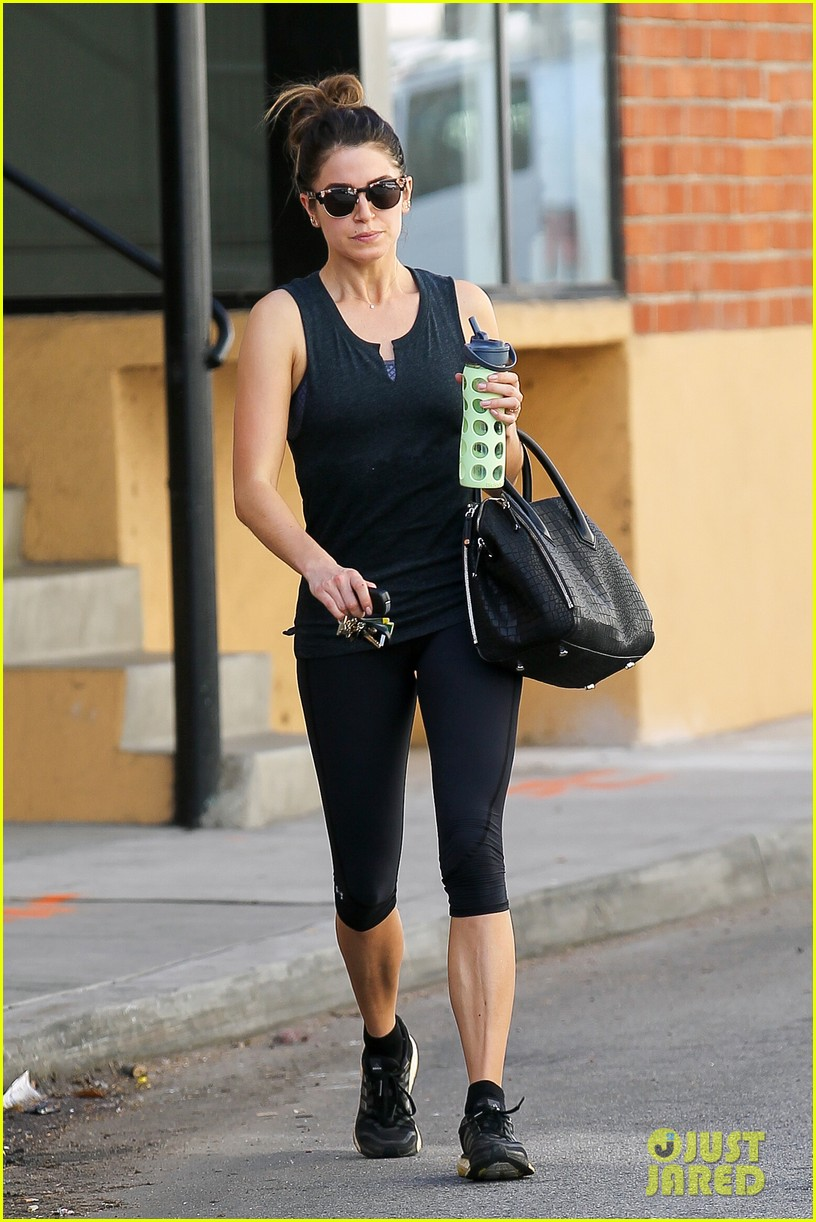 nikki reed keeps in shape with daily workout 033060896
