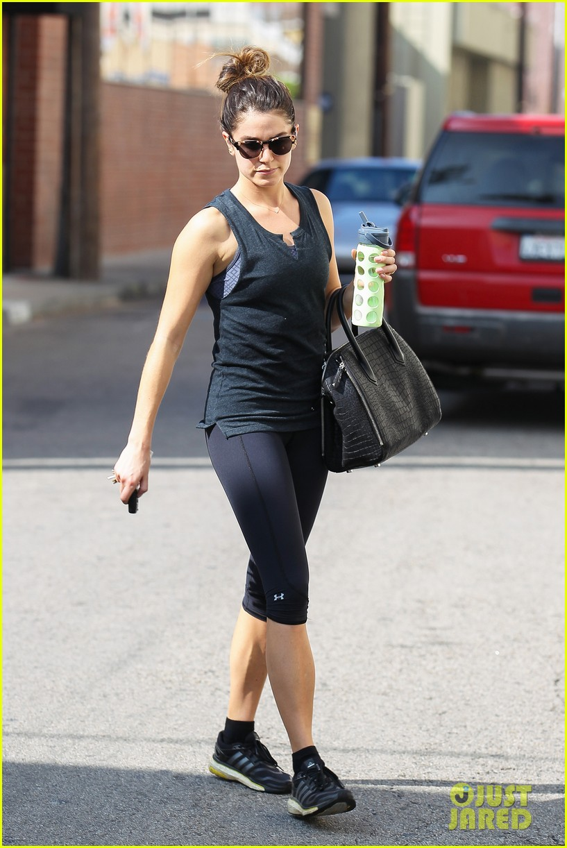 nikki reed keeps in shape with daily workout 143060907